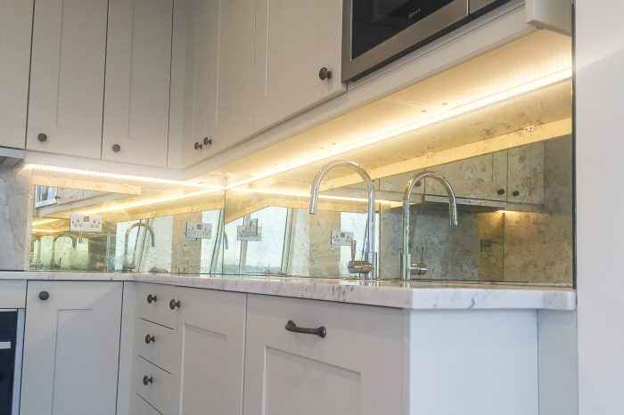 Toughened bronze mirror splashback
